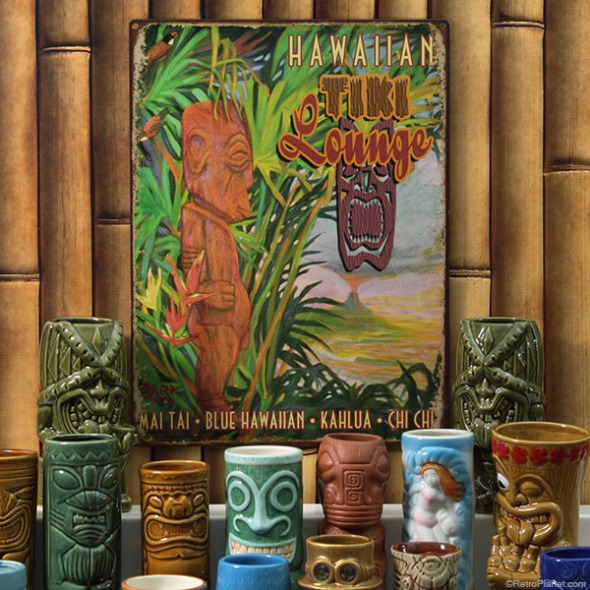 tiki-bar-with-mugs